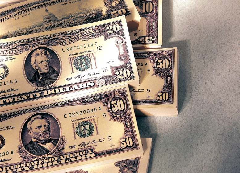 Как привлечь деньги в свою жизнь быстро?