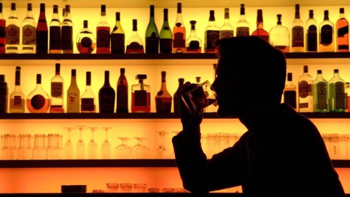 3 главных фактора, почему люди не представляют свою жизнь без алкоголя