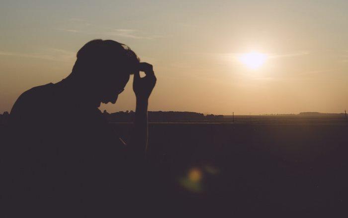 Что делать, если грустно: 10 практических способов перестать грустить